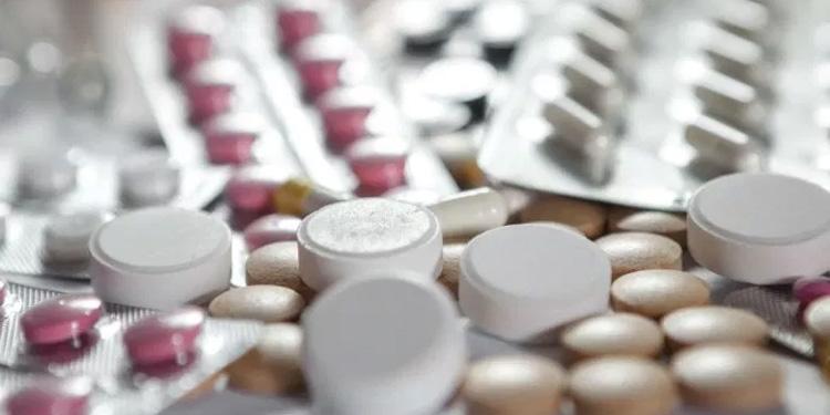Những lưu ý khi sử dụng thuốc chữa rối loạn nội tiết tố nữ 1