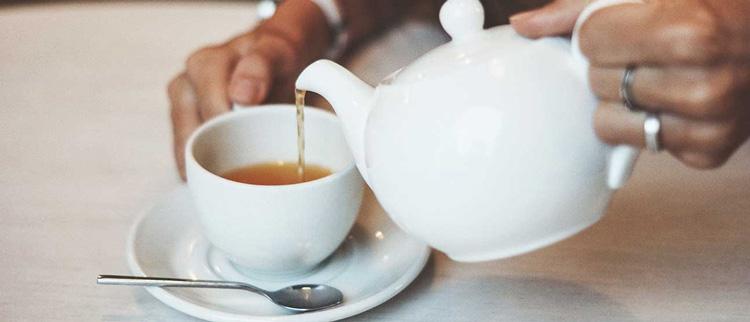 #4. Uống trà thảo dược 1